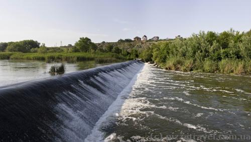 Rapids near a small power station in Yuzhnoukrainsk