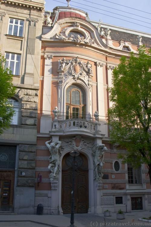 Львовский дом ученых